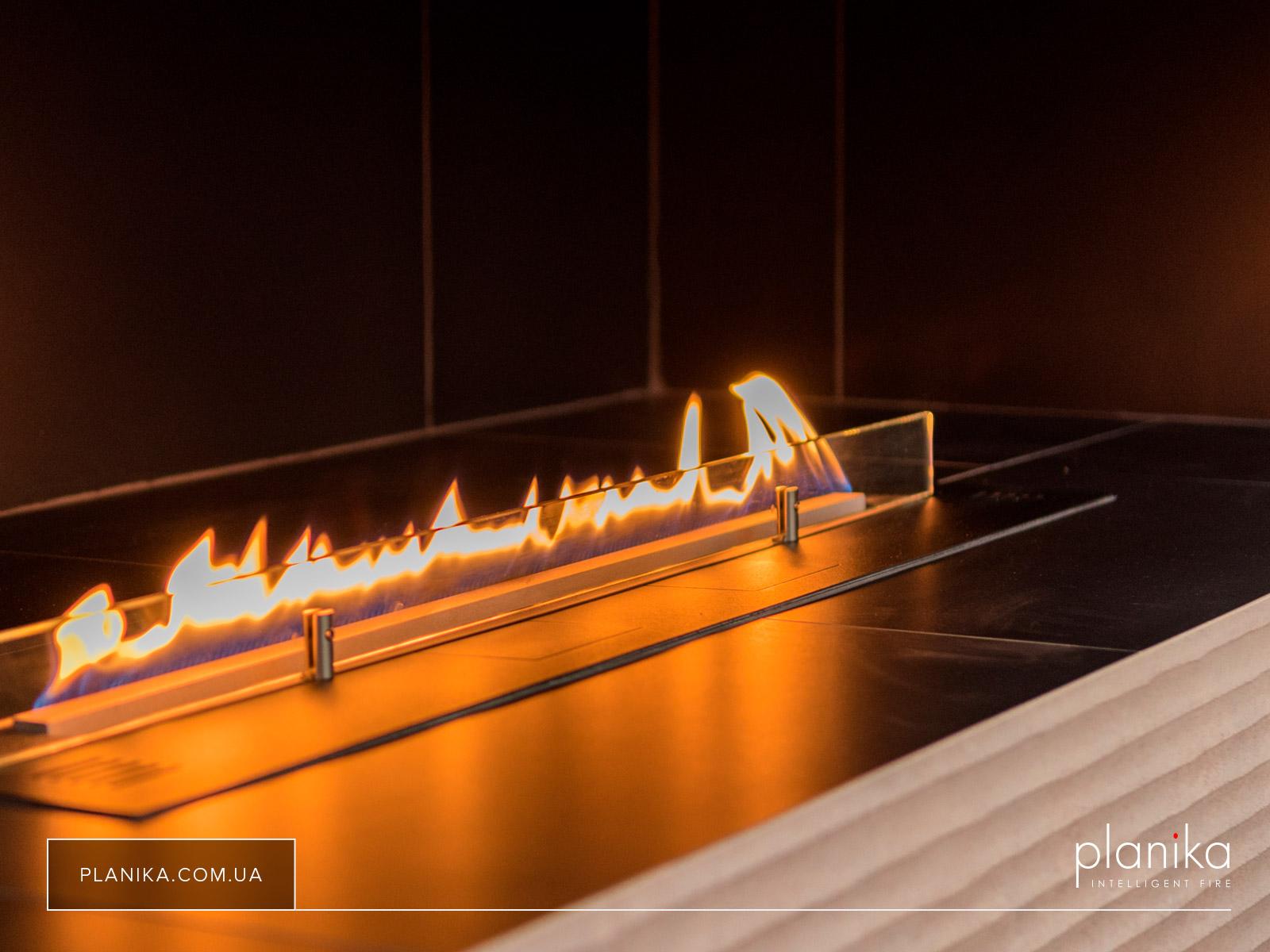 Биокамин Planika Fire Line Automatic 2 в нише облицованной плиткой