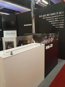 Автоматический биокамин Planika FLA 3 белый глянец и биокамин FLA XT с внешним топливным баком
