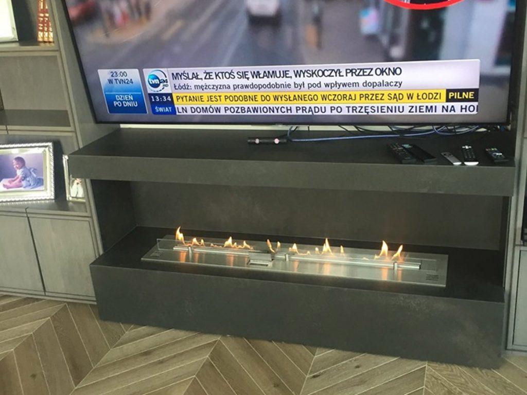 Автоматический биокамин Planika, как подставка под телевизор