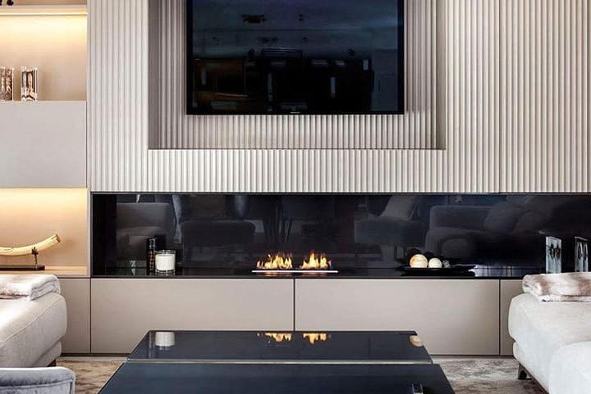Камин и телевизор