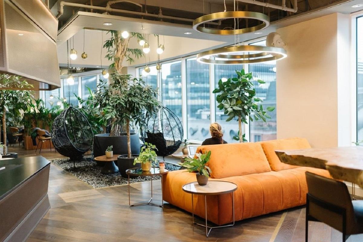 Биокамин Planika в необычном офисе Лондона